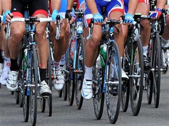 La nueva ley de la DGT reconoce no sólo el derecho de los ciclistas ...