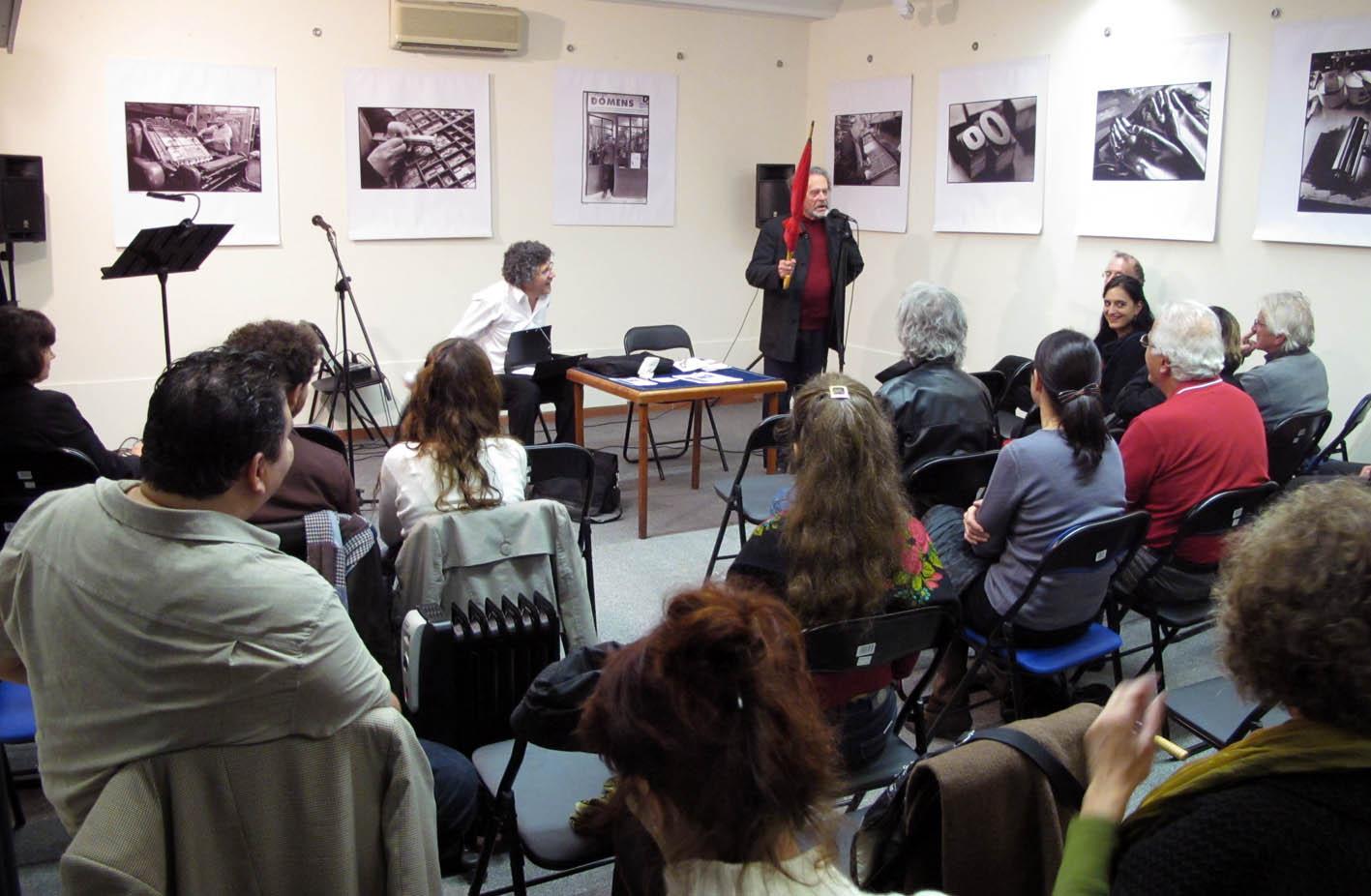 PRESENTATION DU PARAPLUIE ROUGE- JEAN JOUBERT-PATRICIO SANCHEZ- FRANCE-2011.