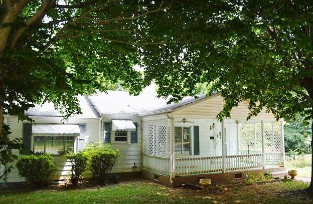 400 Jordan Avenue, Spencer NC 28159 ~ circa 1948 ~ $39,900