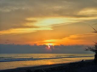 Sunset di Pantai Pasir Jambak Padang