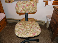 http://homesteadsewing.wordpress.com/2013/11/02/how-to-make-a-cover-for-an-office-chair/