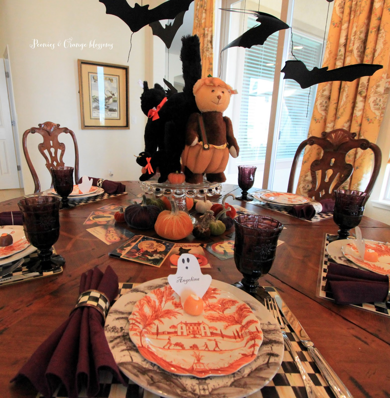 halloween table decorations 2015 - Halloween Table Decorating Ideas
