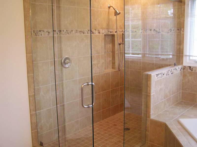 Bathroom floor tile design ideas for Ideas for bathroom tile design