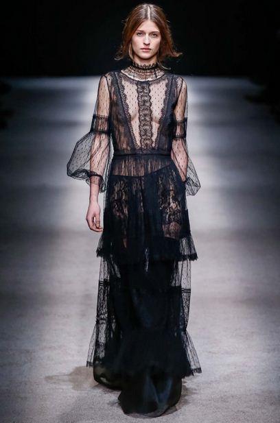 Alberta Ferretti Fall 2015 black lace dress
