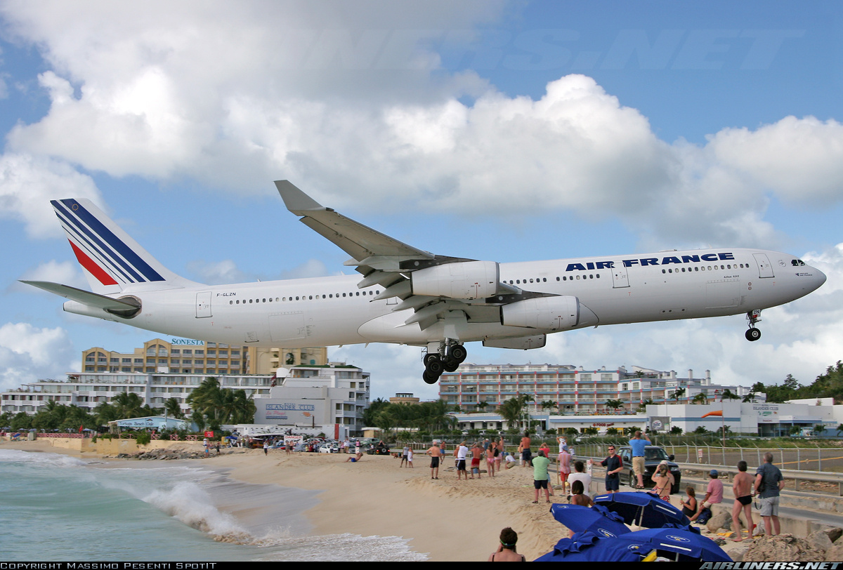 http://1.bp.blogspot.com/-GQGavJr8plE/TdecogixpvI/AAAAAAAACgE/QorcQIWg0T0/s1600/Airbus+plane+model.jpg
