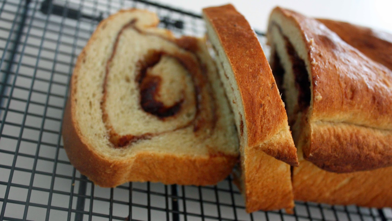 vegan cinnamon swirl bread