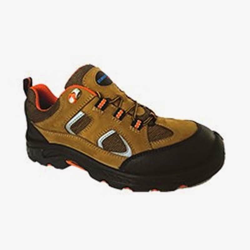 Sepatu Keselamatan Kerja HS-243