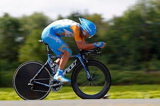 http://1.bp.blogspot.com/-GR4RH3ZCnj4/TsS0-35rMhI/AAAAAAAABkA/WF_s09FthSU/s1600/ciclista%2Btt.jpg