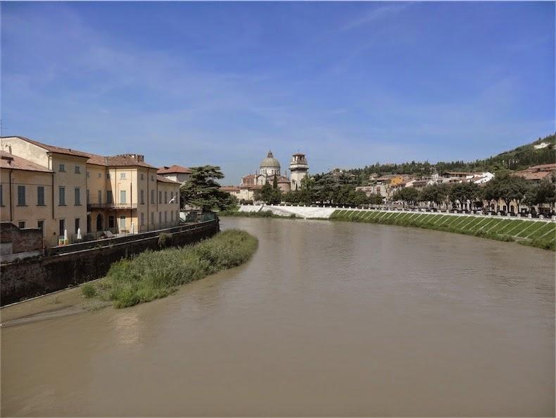 Verona vistas desde el puente de piedra