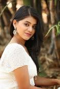 Yamini bhaskar glam pix-thumbnail-20
