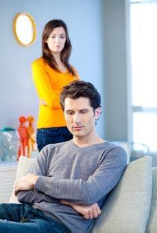 كيف تتعاملين مع الرجل و الزوج الغيور - رجل يغار يغير على امرأة - man jealous on a woman - jealousy