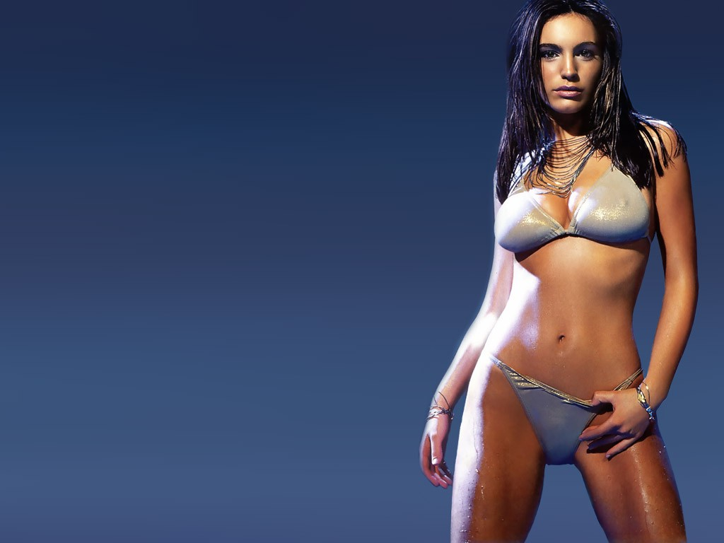 Hot kelly brook 39 s wallpaper for Hot wallpapers world
