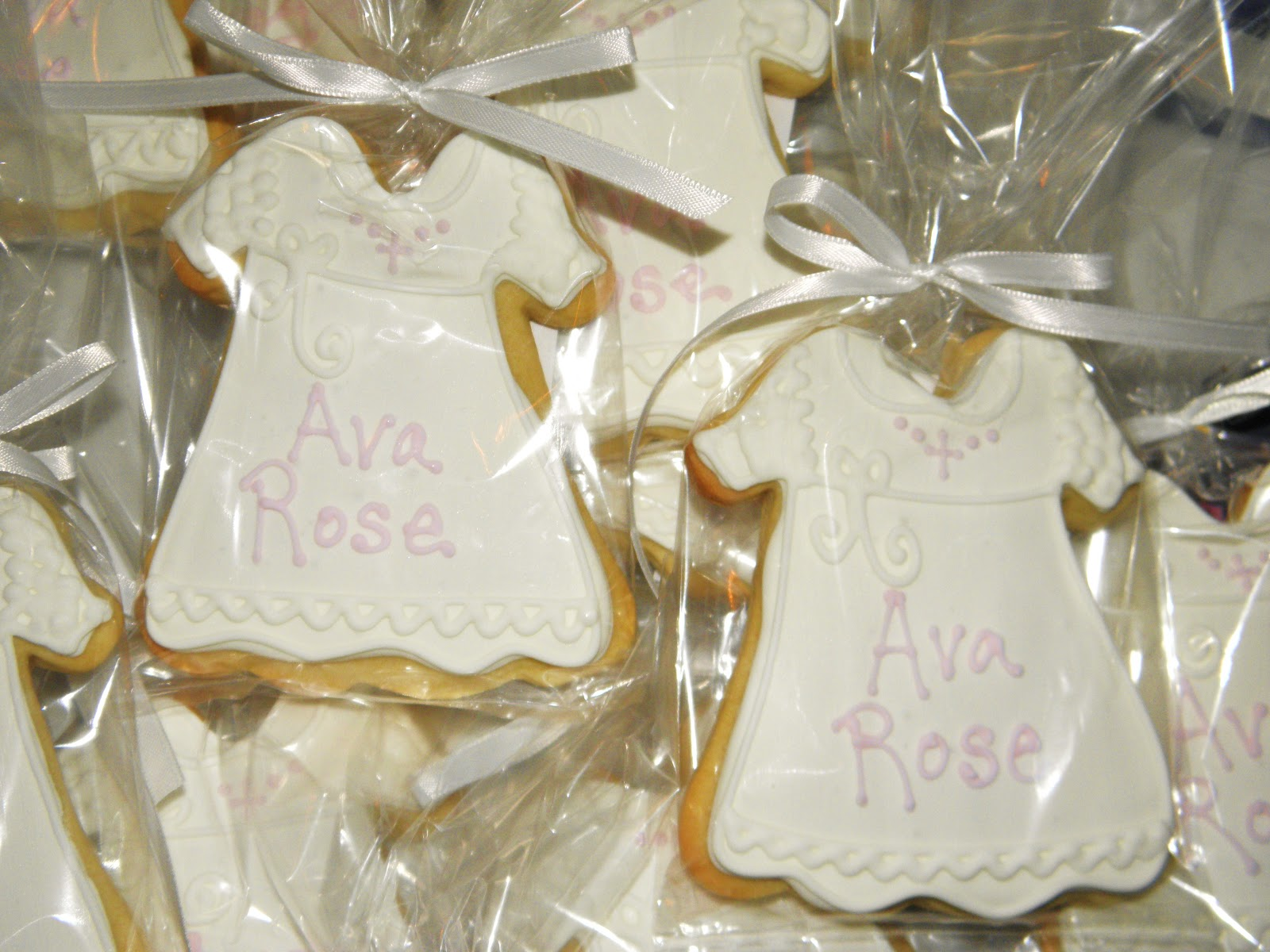 Cookie Dreams Cookie Co.: Christening Cupcake Cake and Cookie Favors!!