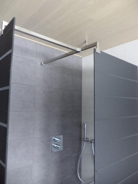 Verbouwing in Burst: Plafondafwerking badkamer