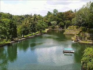 Taman Narmada - 7 Tempat Wisata untuk Liburan di Lombok