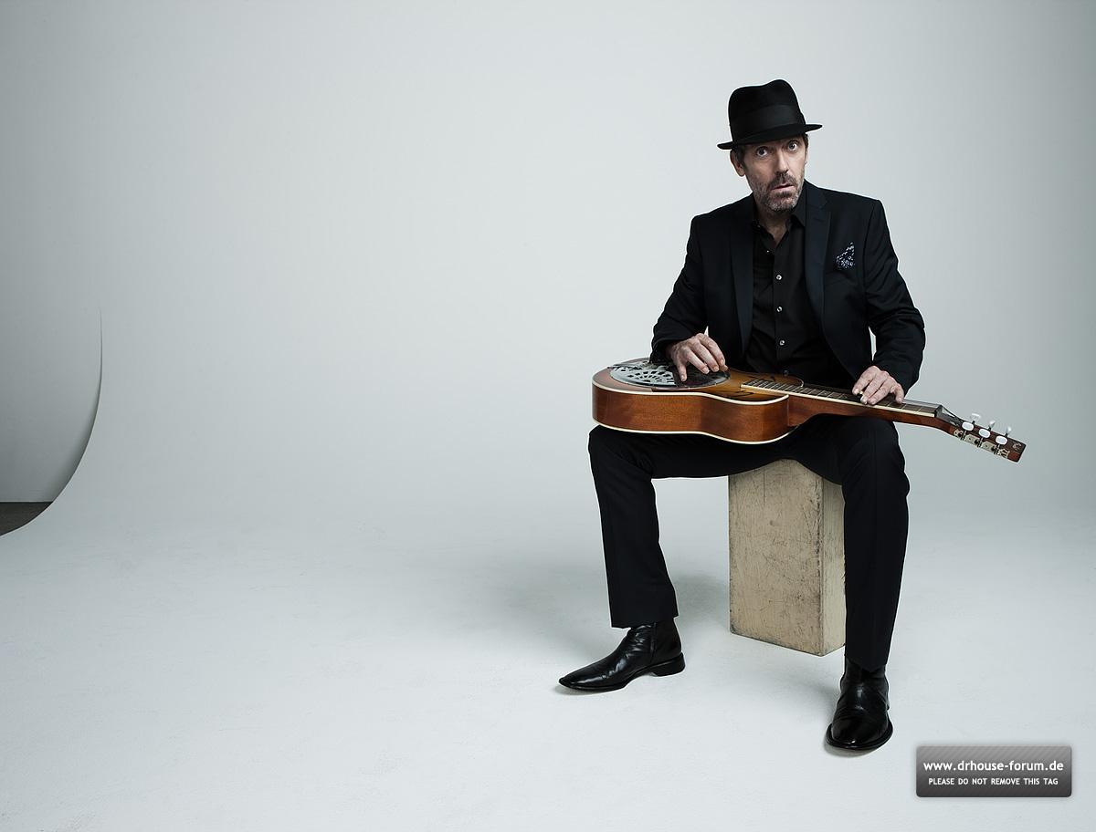http://1.bp.blogspot.com/-GSwK8qqfCsE/T7Fr-rDWADI/AAAAAAAABlI/X6KCNE9ynpI/s1600/Hugh+Laurie+-+Guitar+Aficionado+Magazine+Outtakes.jpg