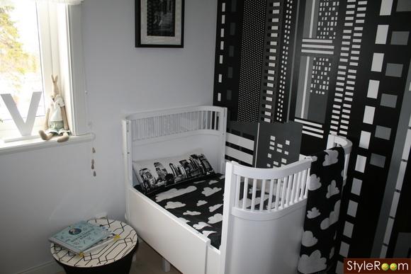 modern black and white nursery design dazzle. Black Bedroom Furniture Sets. Home Design Ideas