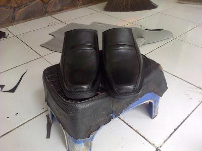 aksesoris dompet tas sepatu sandal kulit januari 2012
