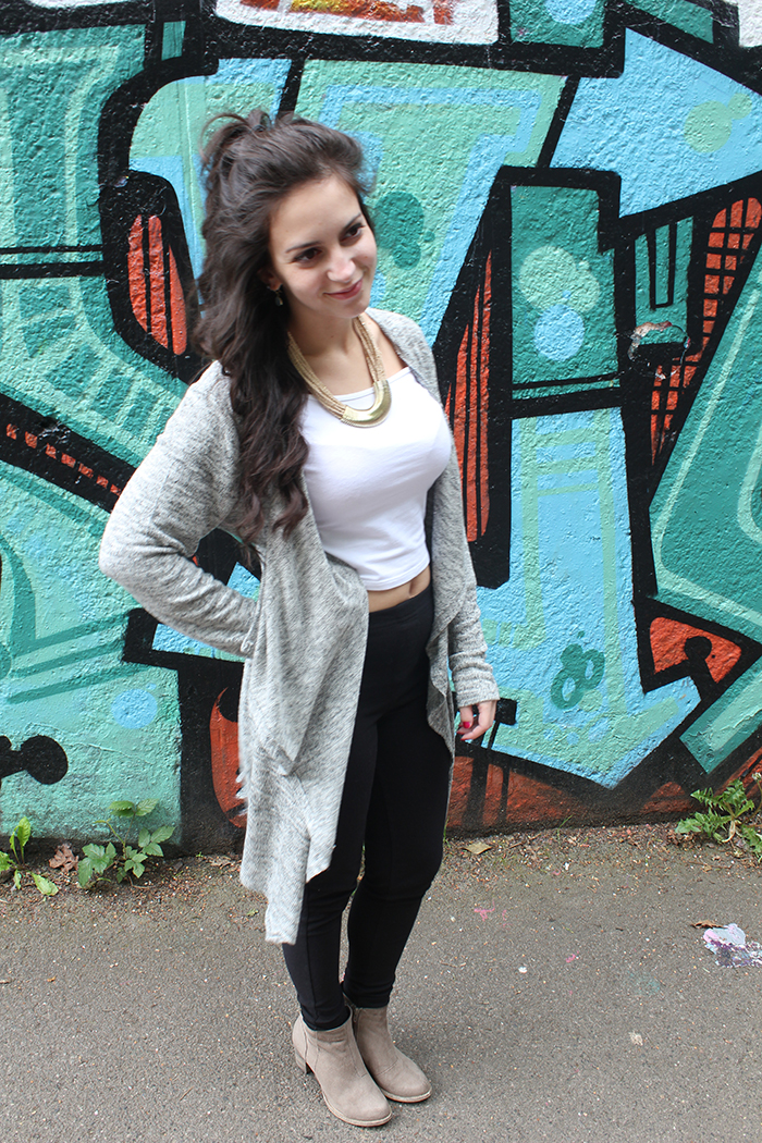 Graffiti Wall Southampton Common Long Cardigan Primark How to style Curly Hair