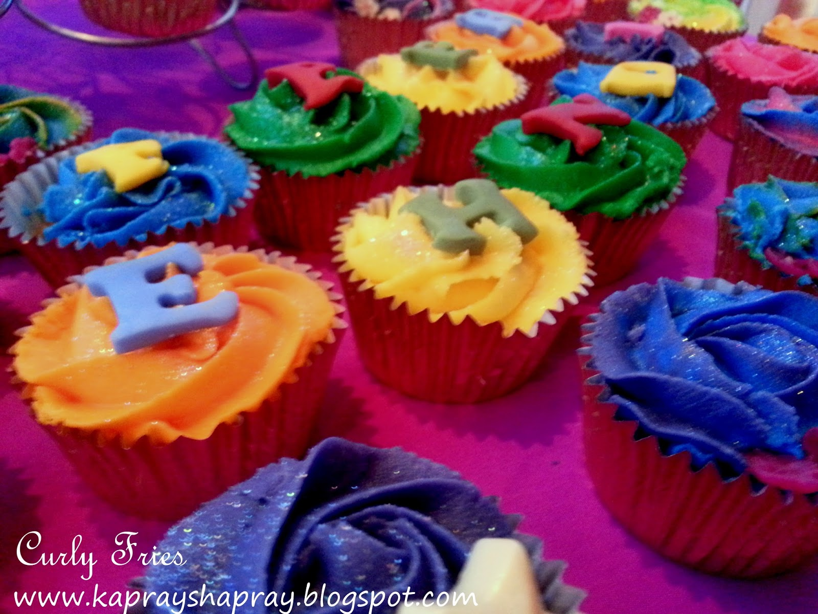 Mehndi Cakes East London : Curly fries mehndi nights rainbow cupcakes