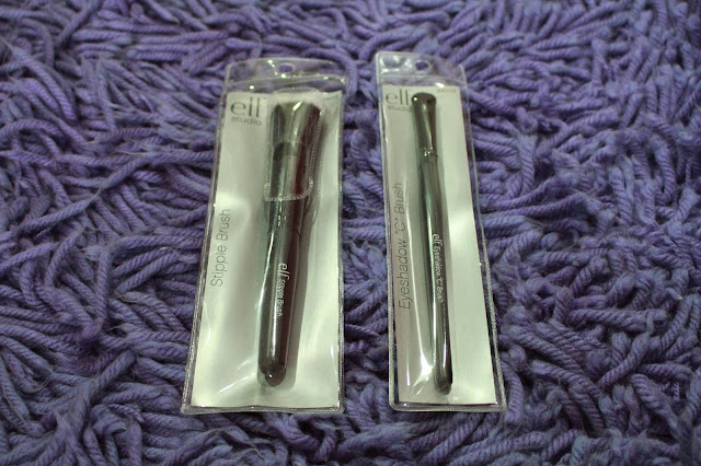 "E.L.F Eyeshadow ""C"" Brush and Stipple Brush"
