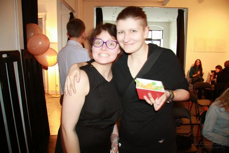 urodzinowe spotkanie Geek Girls Carrots Łódź, kobiety IT, usmiechniete dziewczyny