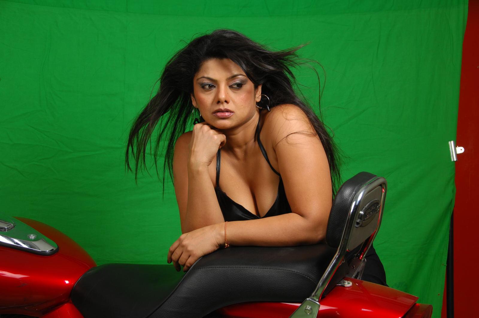 Swati Verma Hot