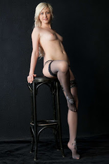 Casual Bottomless Girls - rs-%257E_%255BMet-Art%255D_%257B_12_07_05_Janelle_B_Apuesto_%257D_iMAGEsET_-_%257BERT%257D_%257E_2_%25283%2529-747402.jpg