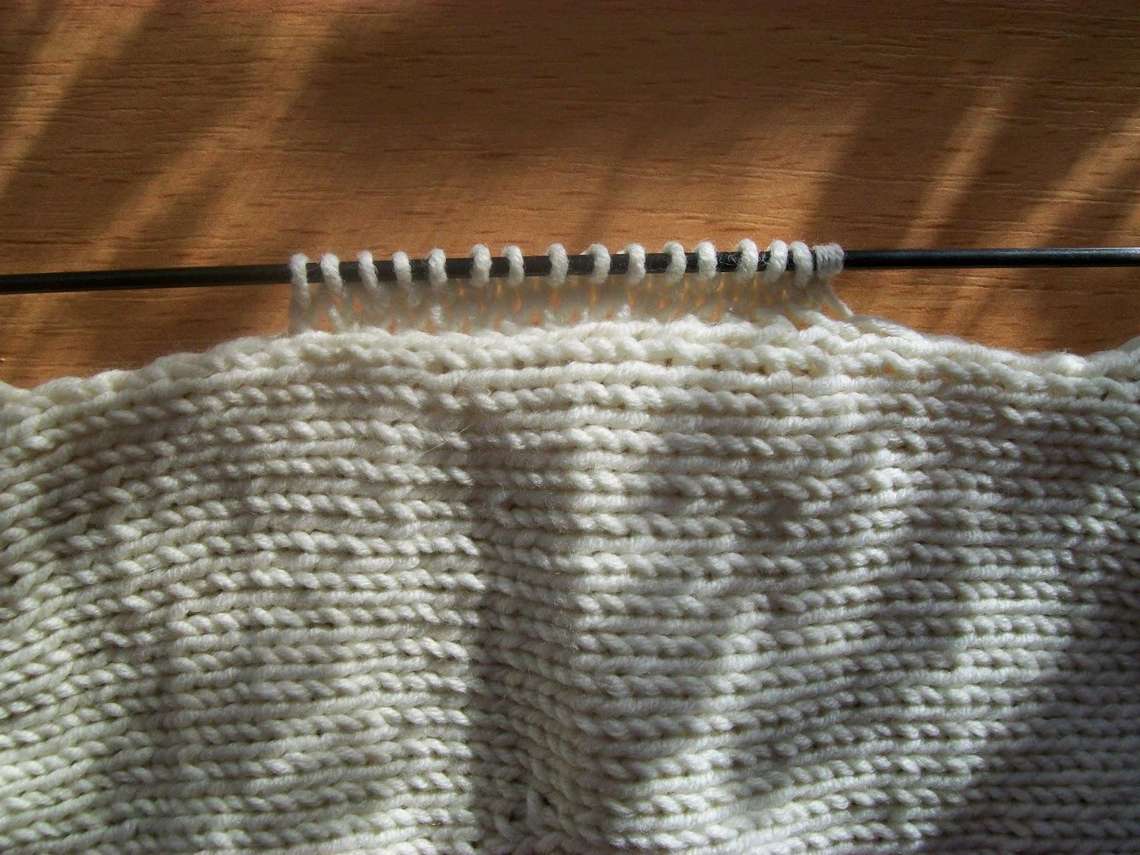 Вязание спицами. рукав сверху вниз