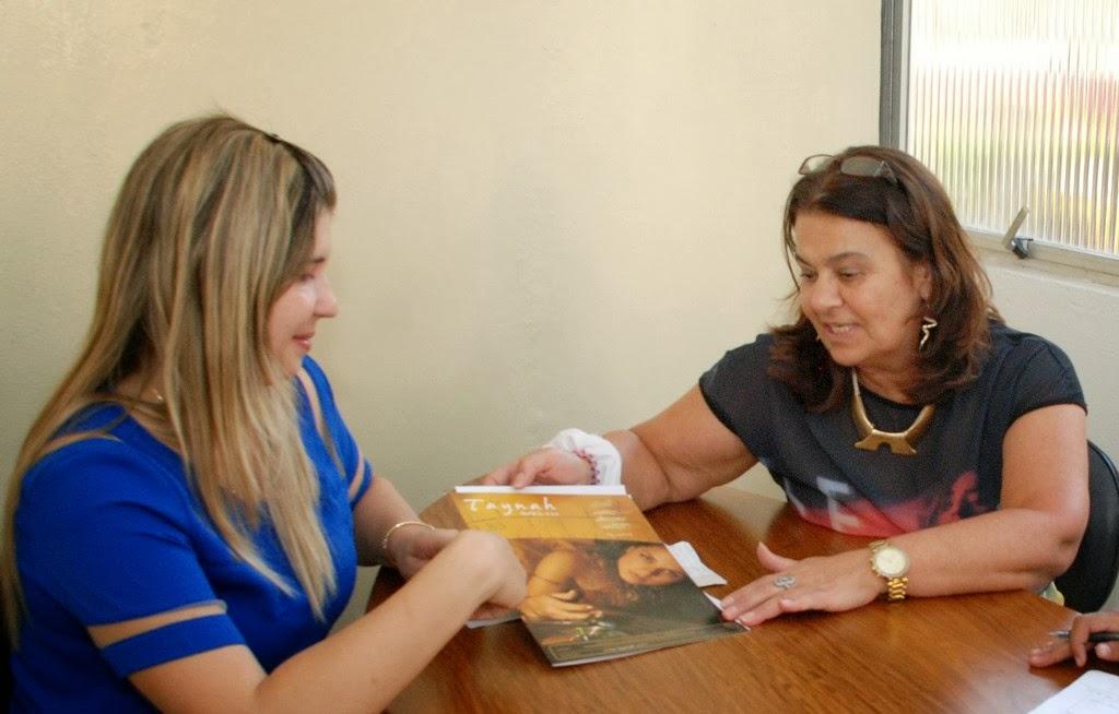 Secretária dos Direitos da Mulher e primeira-dama, Alessandra Rosa, acompanhada da assessora Graça Medeiros