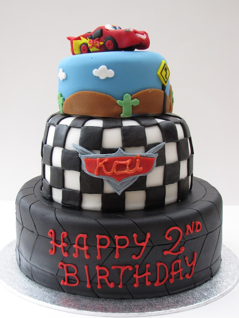 Disney Pixar Cars Cake Design : Claire Elizabeth: Disney themed cakes: Cars and Tinkerbell!