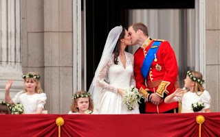 putera%2Bwilliam%2Bcium%2Bkate%2B%252813%2529 GAMBAR & VIDEO PERKAHWINAN PUTERA WILLIAM DAN KATE MIDDLETON