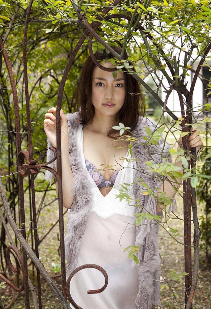 natsuko nagaike sexy bikini photos 01