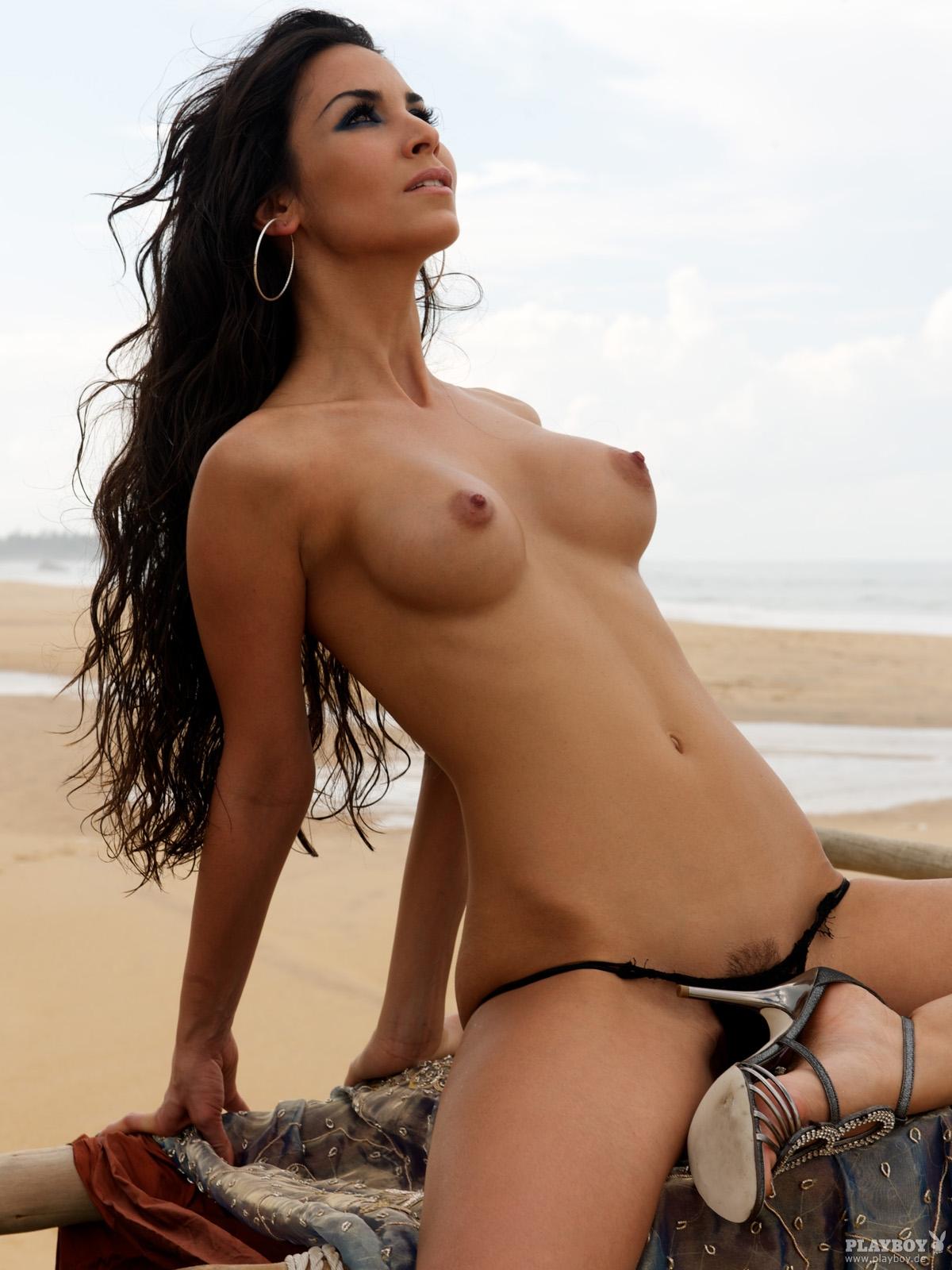 Sila Sahin nue Playboy
