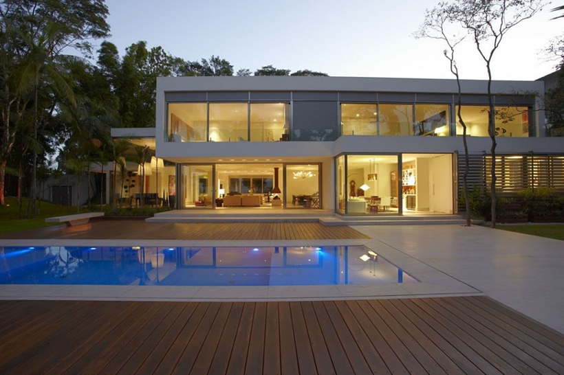 Swimming pool and The Morumbi Residence by Drucker Arquitetura