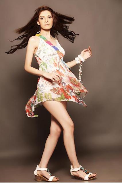 Pakistani model Saeeda Imtiaz hot photos