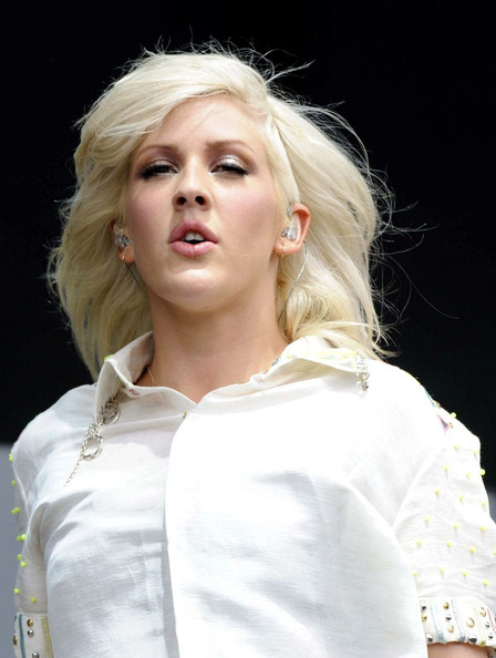 Ellie Goulding performs pics from V Festival