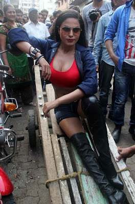 Veena Malik Hot photos at Kamathipura 011 Veena Malik hot Photoshoot at Kamathipura