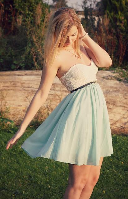 motel-strapless-dress