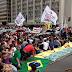 Passeata na Avenida Paulista pede saída de Renan Calheiros