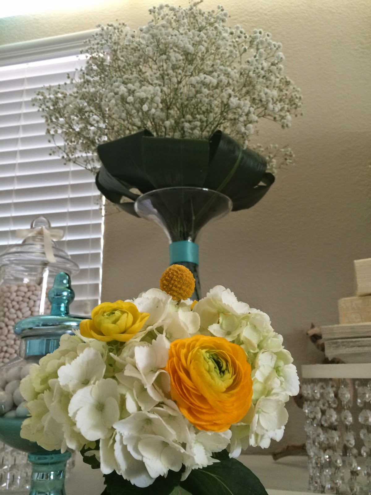 Flower Table Centerpieces For Baby Shower : Dreamark events baby shower party decoration