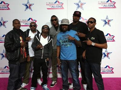 Imagen de Mack Maine, Lil Wayne y otros cantantes en el partido de las estrellas de la NBA 2011