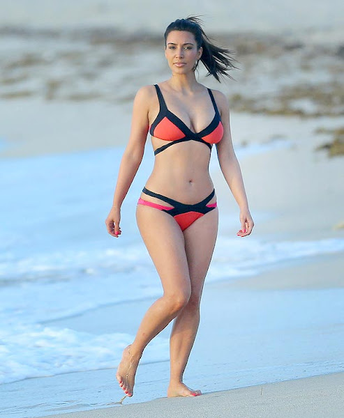 kardashian bikini pics
