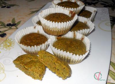 Magdalenas de espinacas, pimiento y brie