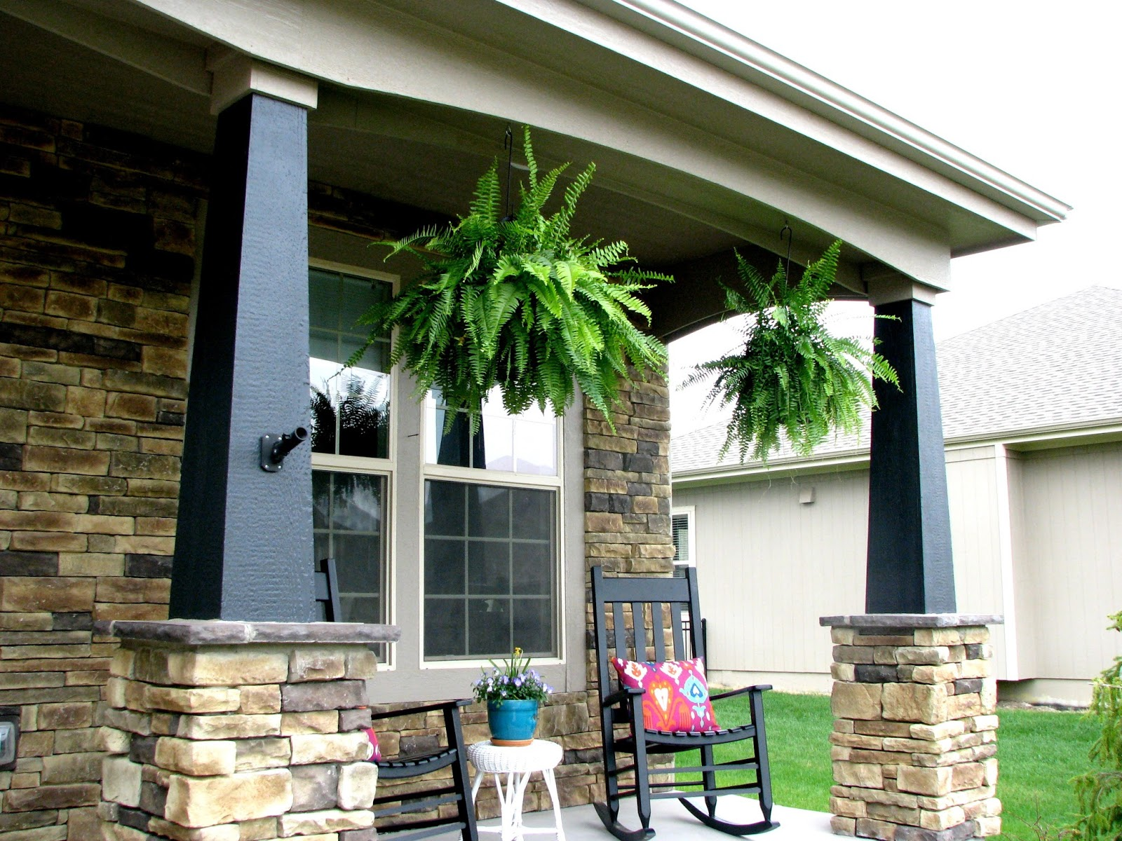 Life love larson exterior paint facelift for How much exterior paint do i need