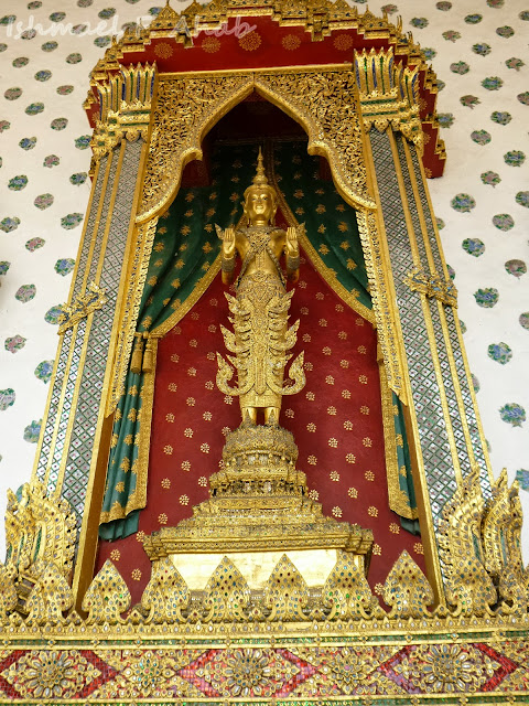 Statue of Buddha at Wat Arun ubosot