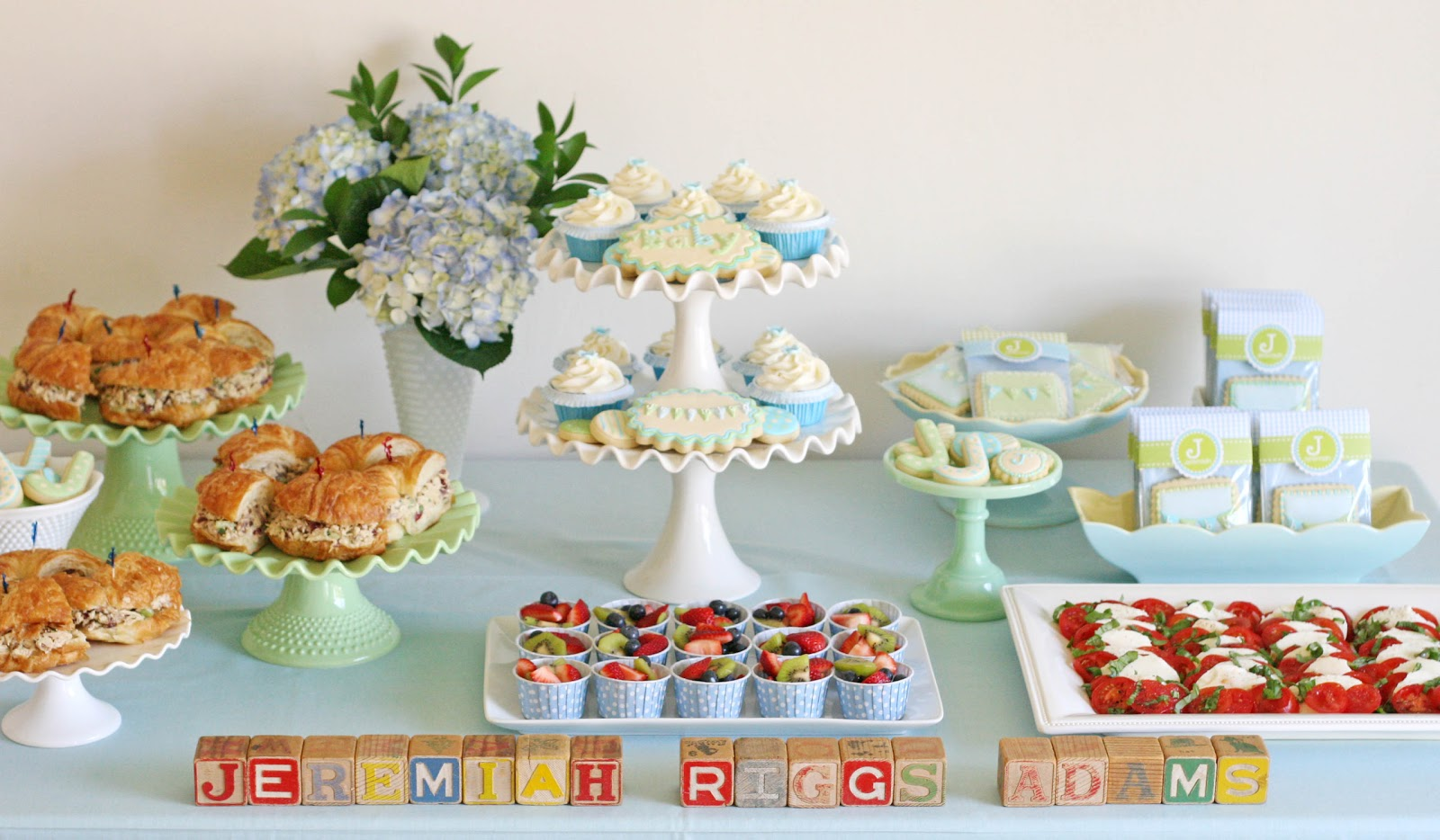 Vintage bunting baby shower glorious treats for Baby shower food decoration ideas