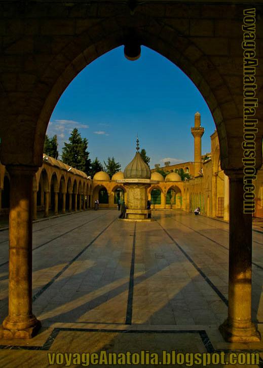 Şanlıurfa Mevlid-i Halil Camii