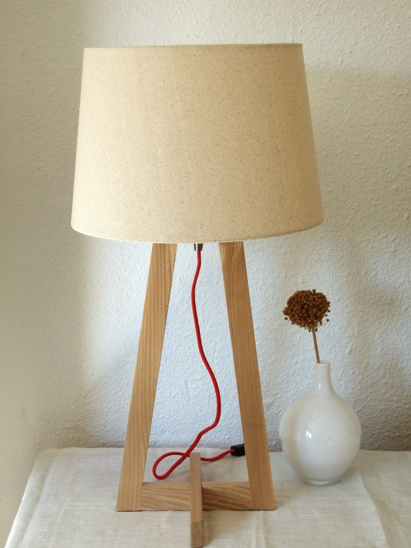 lámpara de sobremesa nórdica