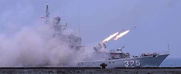 Sengketa Laut China Selatan Kian Memanas TNI Kerahkan Tujuh Kapal Perang